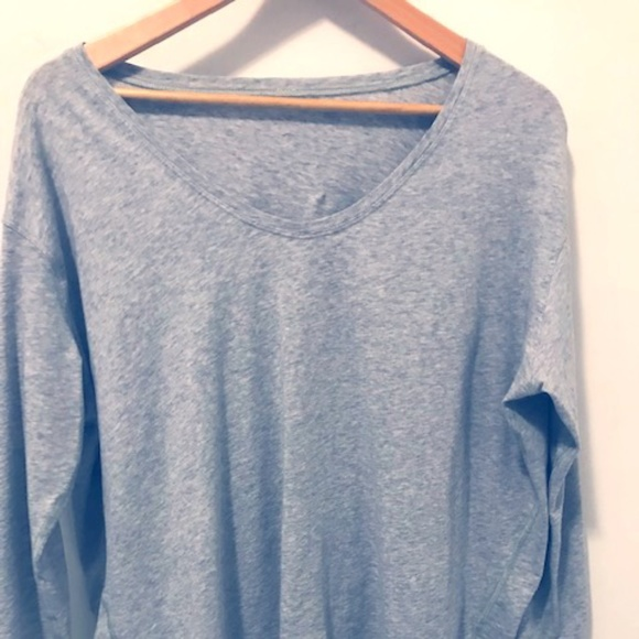 Lululemon long sleeve  v-neck top